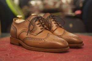 tips bisnis sepatu sesuai tren